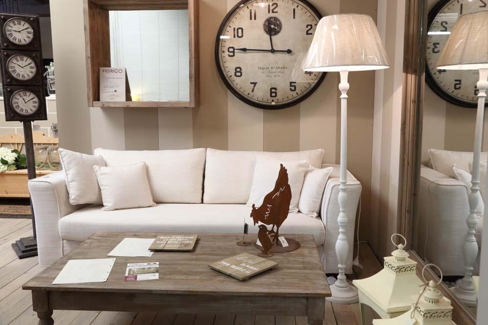Showroom in fabbrica di Fedrigo Salotti, produttore divani, letti ed ...